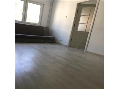 2 Camere  etaj 3/4 renovat Tatarasi