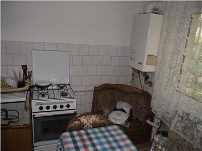 Apartament 3 camere, de vanzare, decomandat, zona Moara 1 Mai