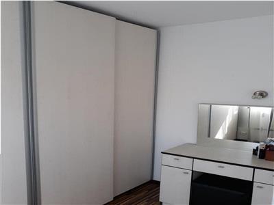 Apartament 2 camere, cu mansarda amenajata, de vanzare, zona Alexandru cel Bun