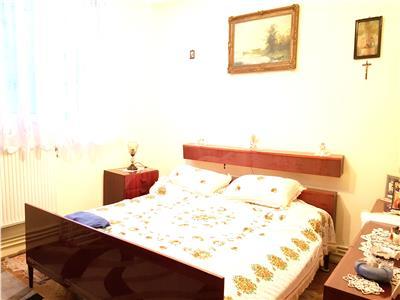3 camere Decomandat Centru Moldova Center