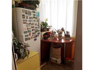 Apartament 3 camere, decomandat, Cug