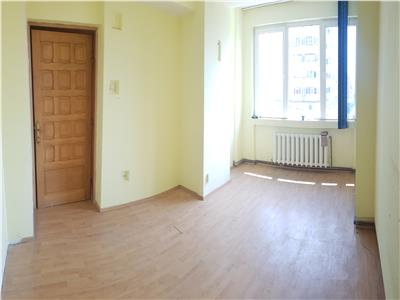 Apartament\spatiu de birori, 4 camere, Pacurari