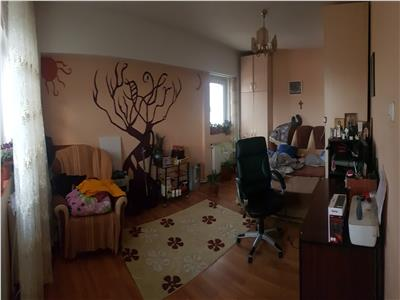 Apartament 4 camere, Lunca Cetatuii