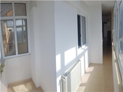 Apartament de 2 camere, transformate in 3, in Nicolina