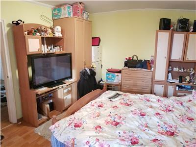 Apartament cu 3 camere SD de vanzare Bucsinescu
