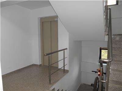 Apartament 2 cam la cheie,bl.nou,in oras