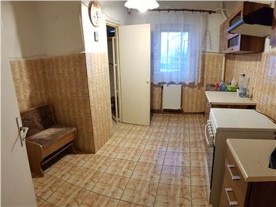 Apartament 4 camere de vanzare, Nicolina