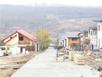 Vila single cu predare la cheie, 126 mp, canalizare, acces pe drum asfaltat